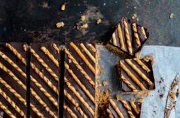 plaatkoek met zoute stengels (pag 71) uitsnede
